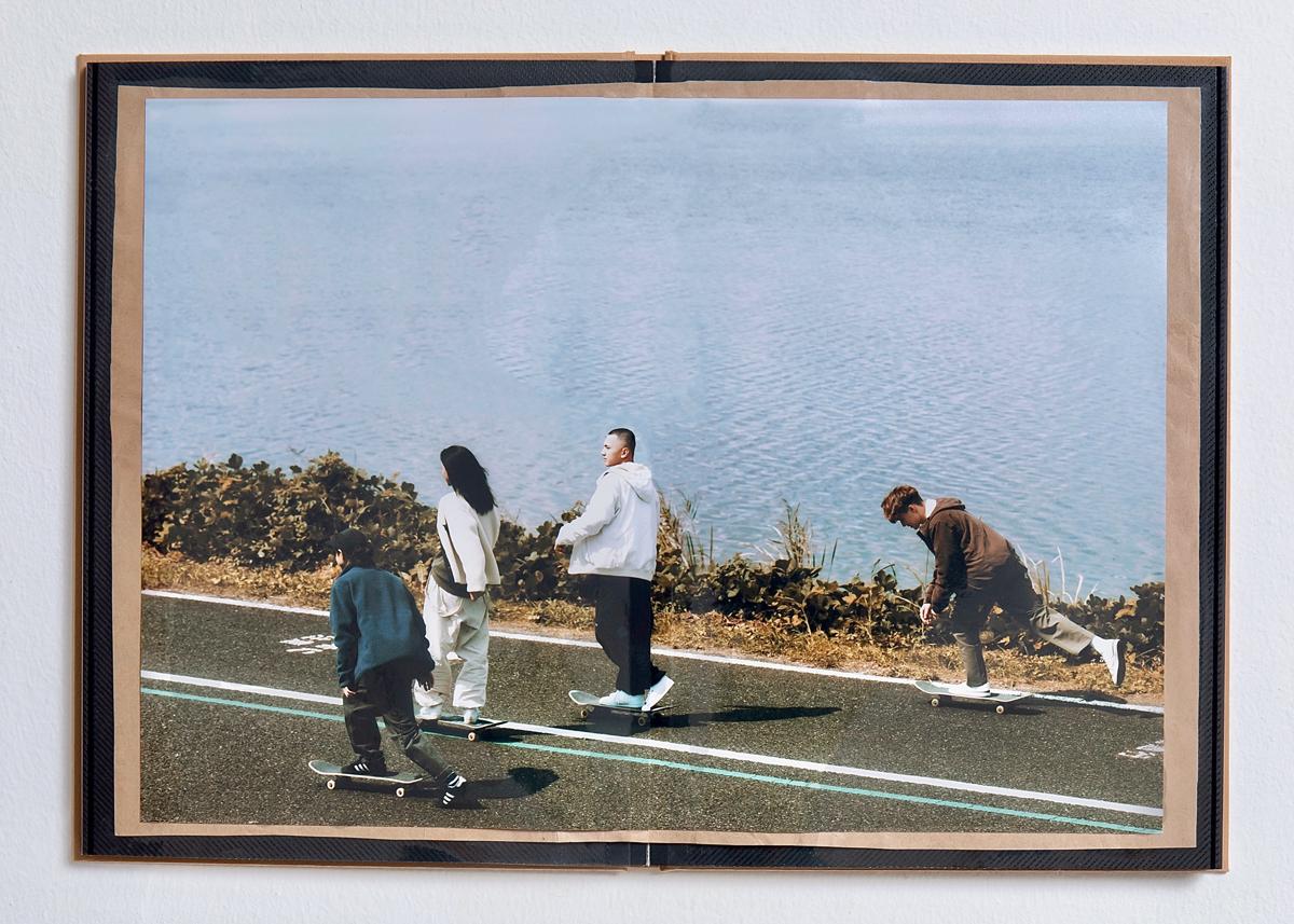 スケート&コーデュロイで<br>秋の空気感を纏うように<br>– Columbia × MURASAKI SPORTS –