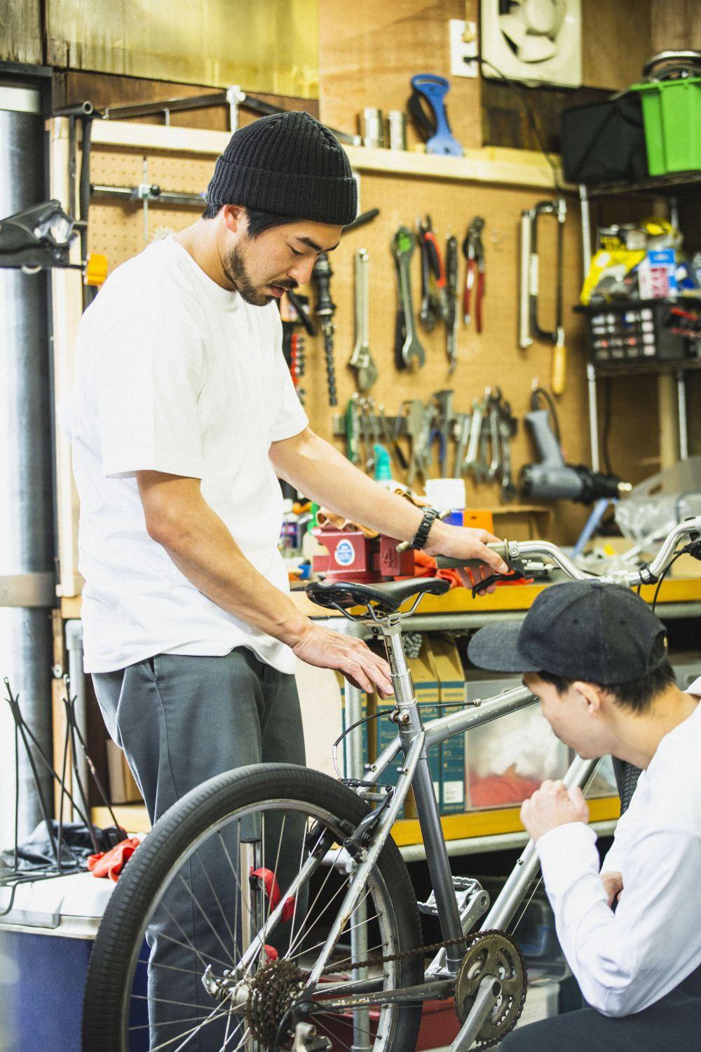 セオリーを超えたDIYなカスタムは<br>チャリが人の生活に寄り添うために<br>– WOOD VILLAGE CYCLES –